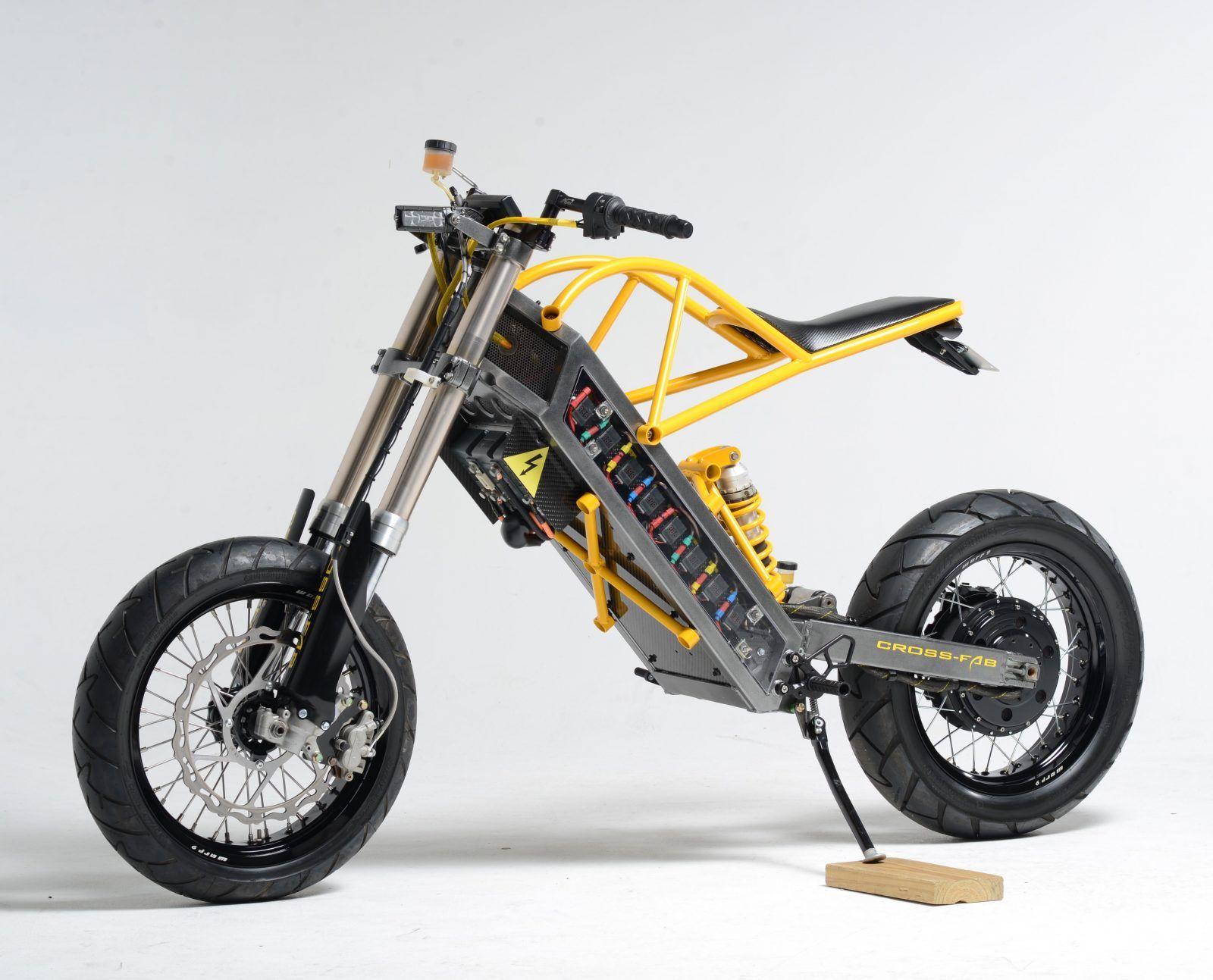 """ExoDyne"" Electric Motorcycle by Alan Cross | 48 LiPo batteries | EnerTrac 11kW rear hub motor | One-off aluminium frame & steel subframe | MX motorcycles swing arm & fork | via Silodrome.com"