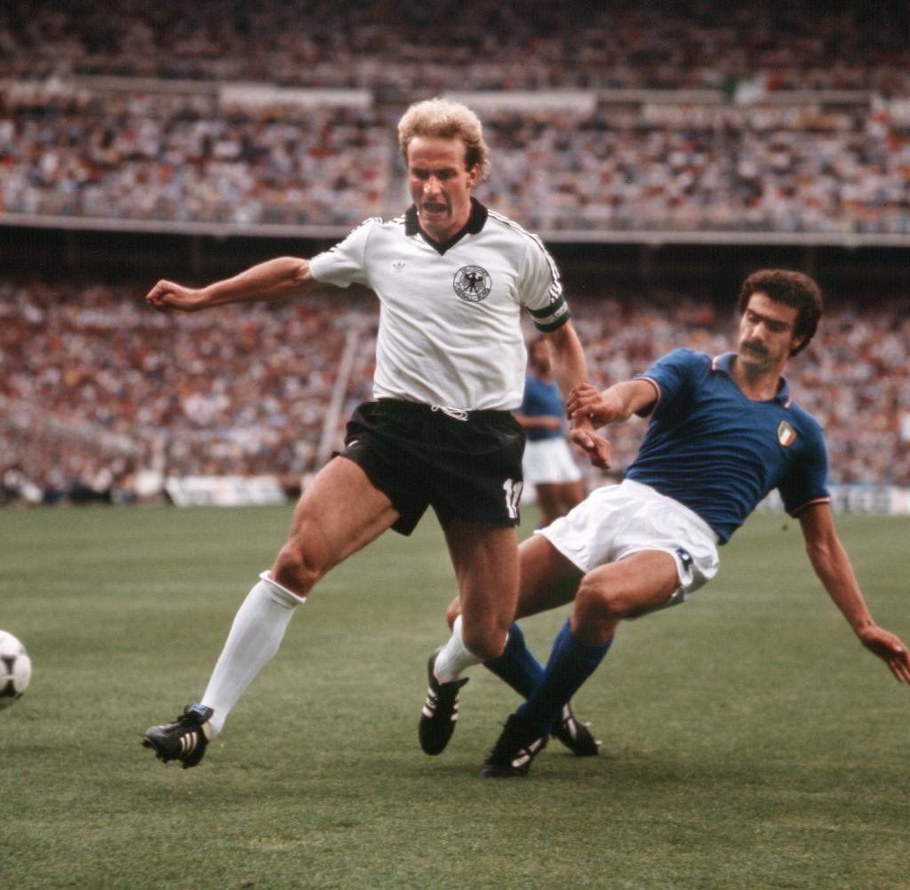Pin Auf 1982 World Cup Finals