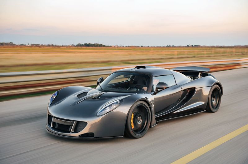 Venom Gt Does 0 60 In 3 1 Seconds And Does 270 49mph Which Is The Record All This With A V8 410kmph Hennessey Venom Gt Hennessey Expensive Cars