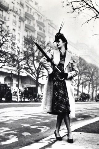 BAZAAR takes a look back at the always fashionable Paris street style scene—from the 1940s through the 1980s. Click through to see the 20 best vintage photos.