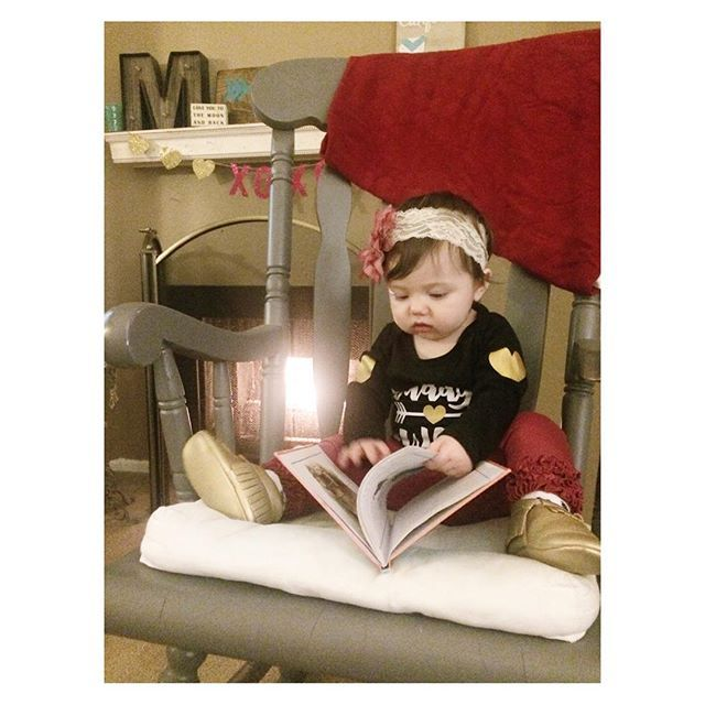 """I'm just reading mom..!"" Outfit Details: 💗Onesie- @lennylemons  It says ""Daddy's #WCW"" 💗Pants- @rufflebutts 💗Mocs-  @sweetnswag 💗Headband- Bellaboutique; Made by me ! Link in Bio.  Blanket- From The Poinsettia Set @tulababycarriers  ____________________________ #olivianicole #olivianicoleM #baby #babiesofinstagram #lifestyleblogger #blogger #babybrandmodel #babybrandrep #ocbaby #ocmom #babyfashion #toddler #toddlerfashion #orangecounty #tula #tulablanket #lennylemons #sweetnswag…"