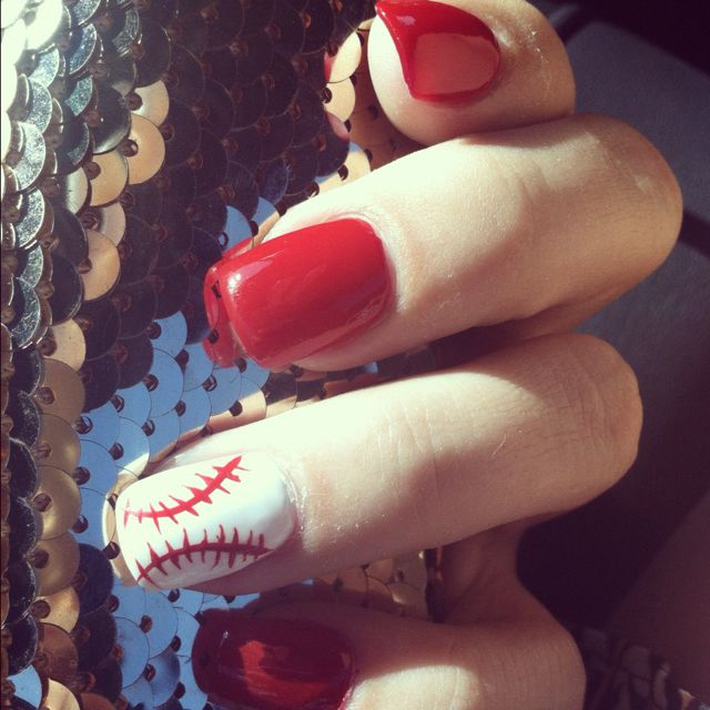 Now that the girls are starting tball, and the boys baseball I shall do my nails like this.