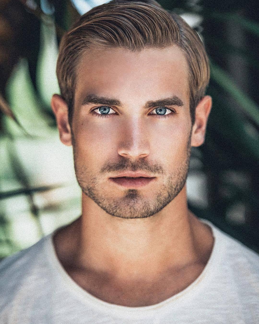 define handsome man