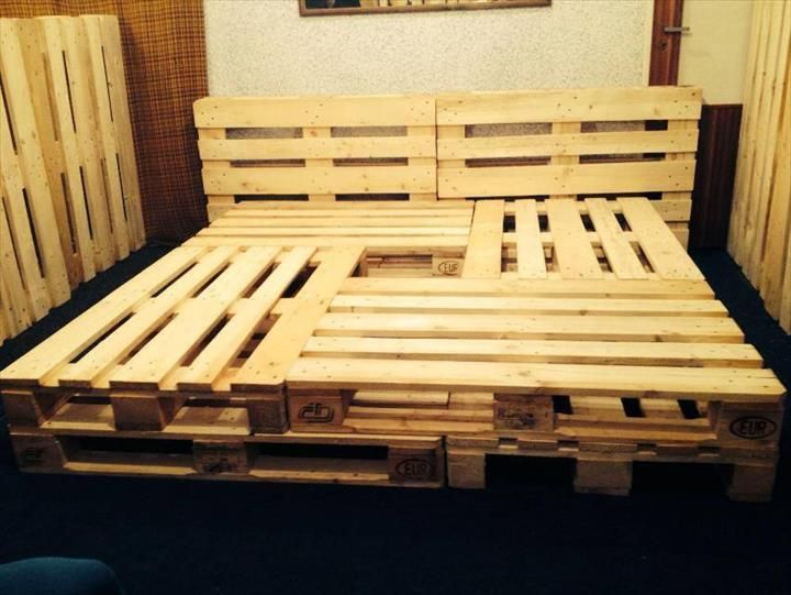 Pallet bed frame 10 brilliant pallet furniture ideas for Pallet bed frame with side tables