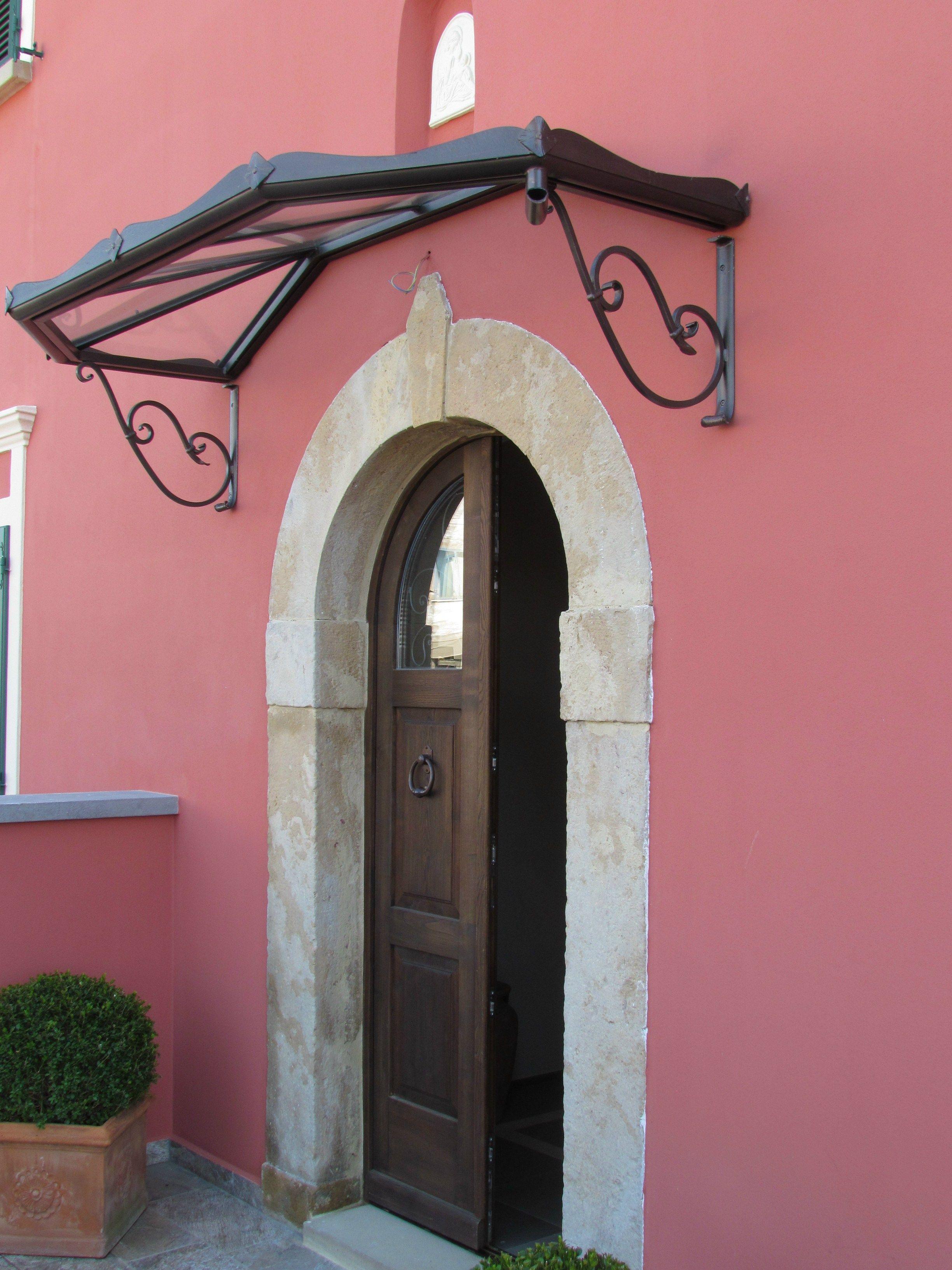 Porte d 39 entr e avec marquise en fer garden house - Marquise porte d entree ...