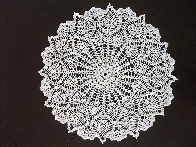 Crochet Doily by iamgosh. Free pattern-Ruby\'s Pineapple Medley by ...