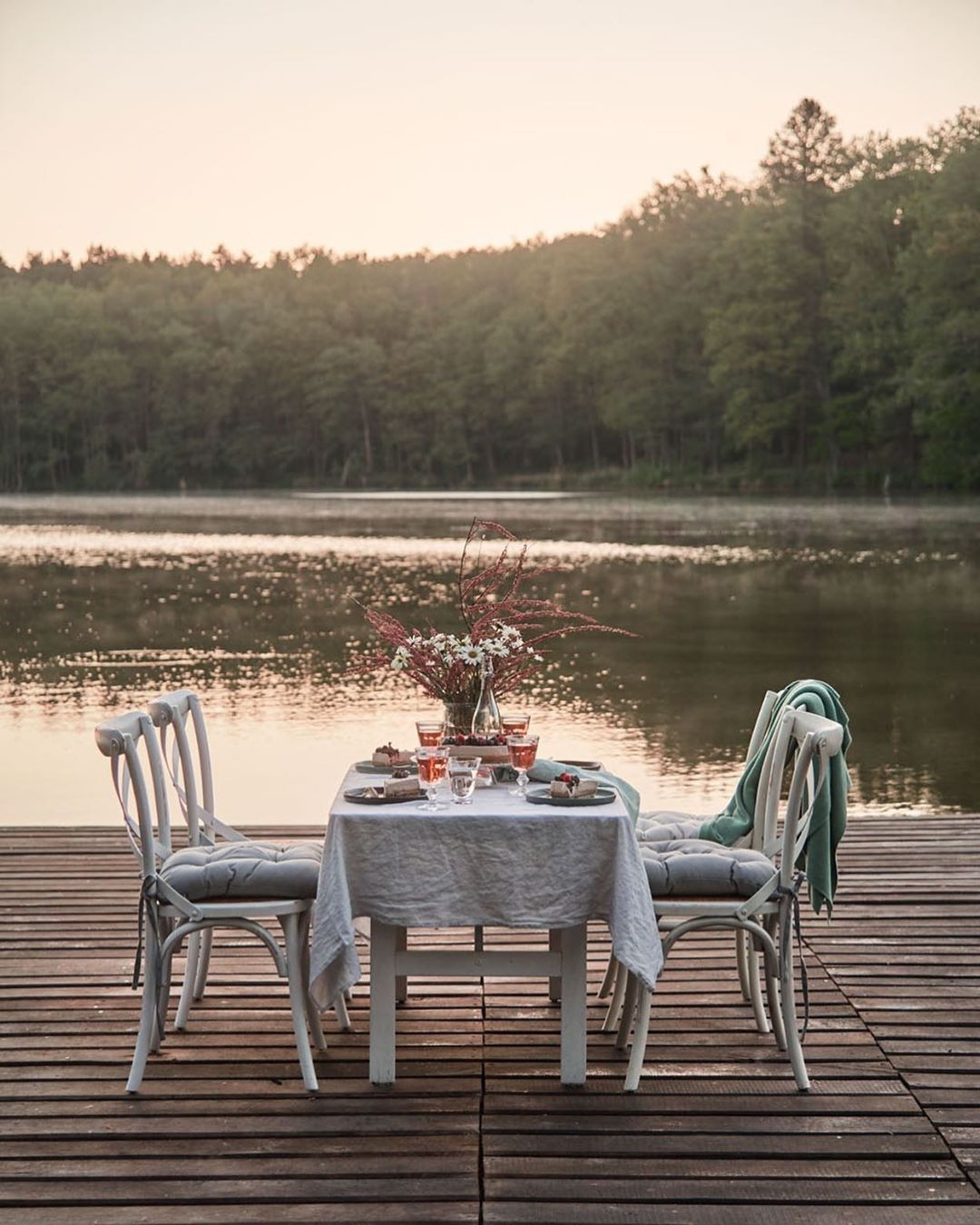 """Photo of DECO HOME on Instagram: """"Please go straight from the office to this perfect summer evening place 😍 For everyone like us who lacks the necessary environment: meadow flowers,…"""""""