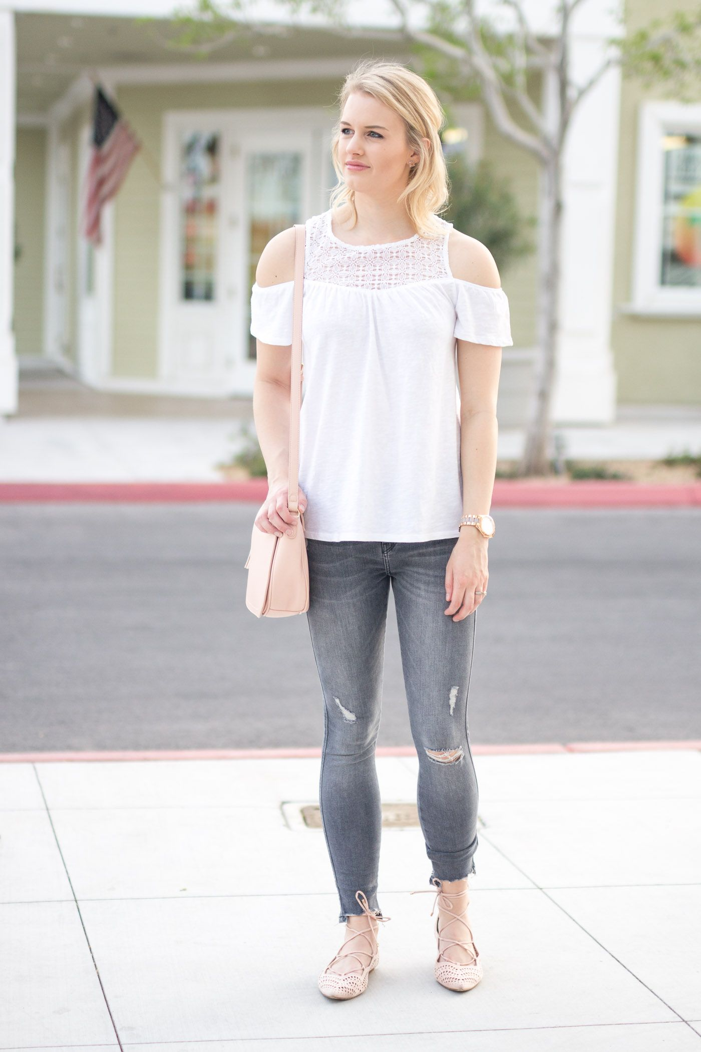 What To Wear With Grey Jeans For Spring  Grey jeans, Everyday