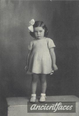 Name: Paulette Zajeck Birth: 1937 Gender: Female child Nationality: French Background: Jewish *light skin* Death: August 19, 1942 Cause: Murdered in Auschwitz Age: 5 years