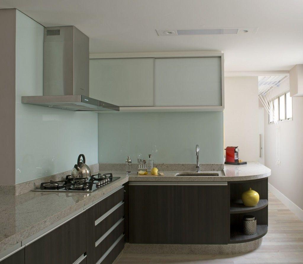 A parede da cozinha foi revestida com vidro leitoso decoraç u00e3o Pinterest -> Decoracao Com Tampa De Vidro