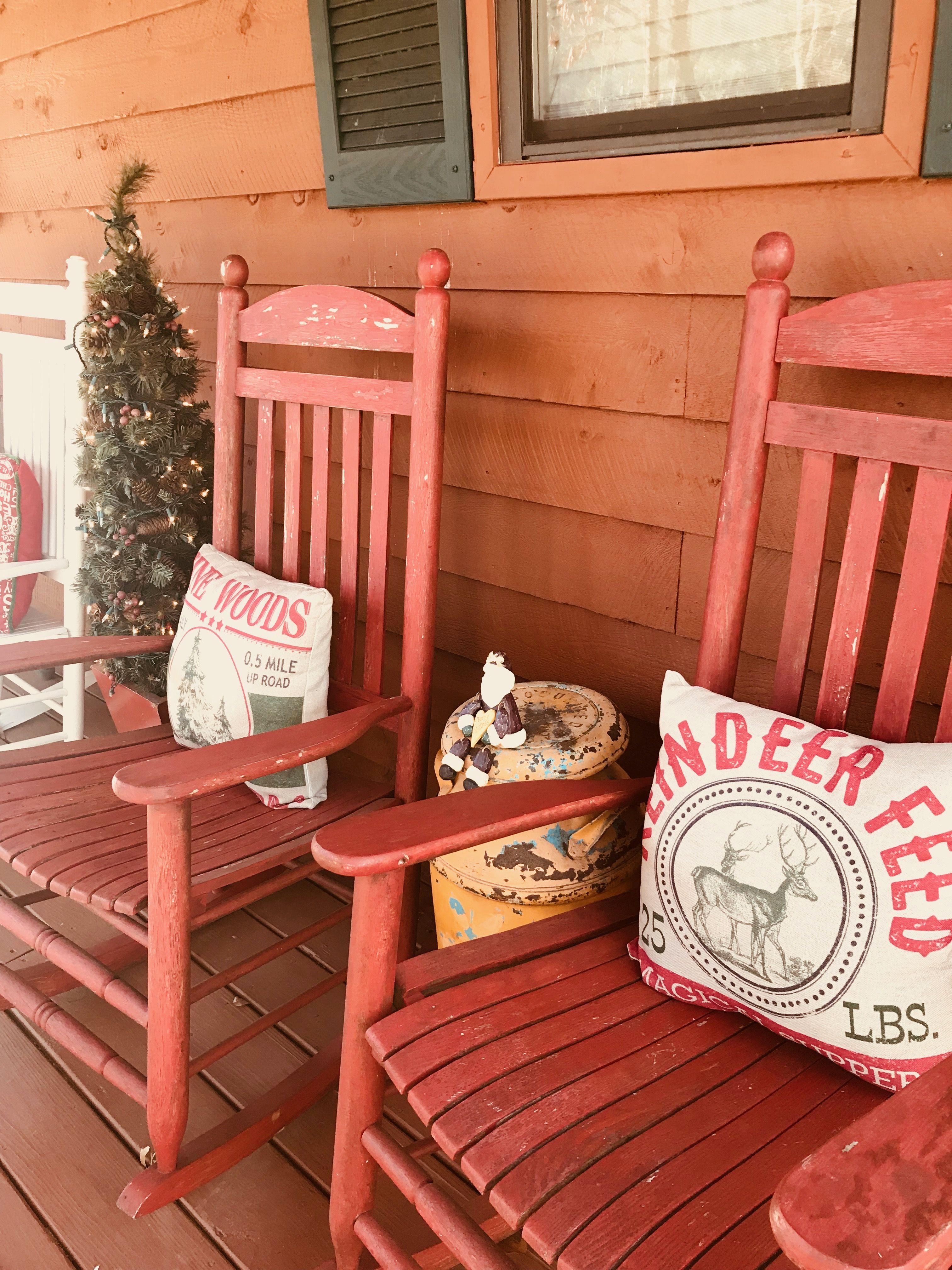 Front Porch Livinu0027 Christmas At Whiskey Barrel Lodge Murphy, NC
