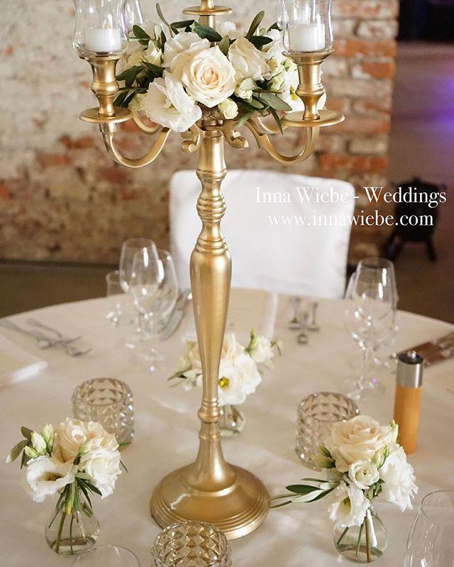 Weddingdecoration by Inna Wiebe www.innawiebe.com #wedding #wedding2016 #wedding2017 #münchen #hochzeit #gold #kerzenständer #olivenzweige #lisianthus #rose #innawiebe #innawiebe_com #love #quinceaneraparty