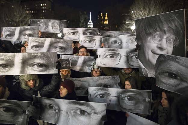 New York for #CharlieHebdo By John Minchillo / AP