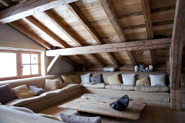 Una Casa En La Buhardilla Habitaciones De Atico Casas De Estilo Rustico Diseno Casas Pequenas