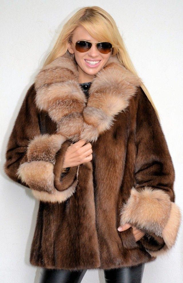 hot hunting women fur