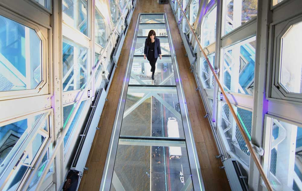 Tower Bridge Has New Glass Walkway Which Looks Terrifying Glass Walkway Glass Floor Glass Floors Architecture