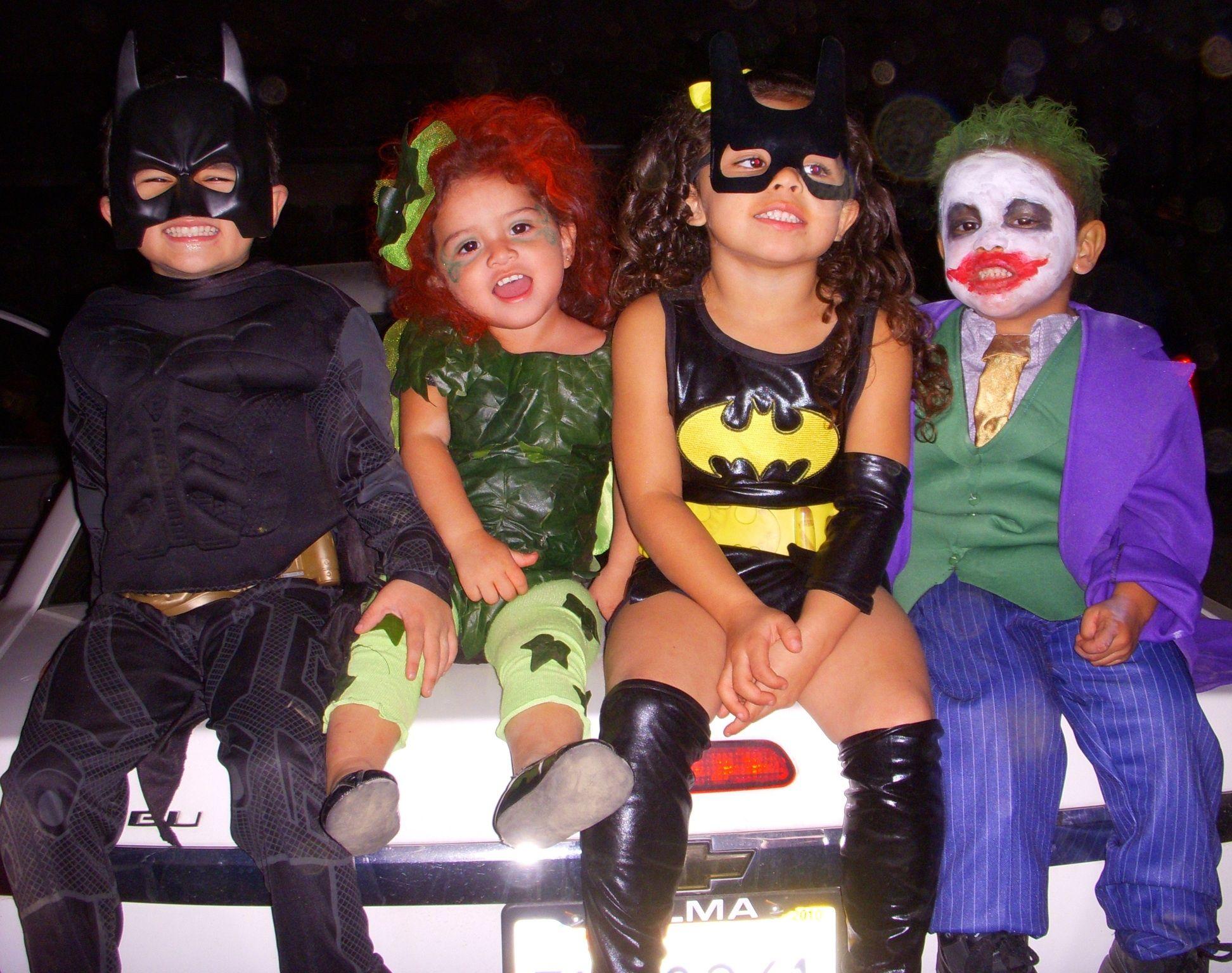 Halloween Kids group costume ideas.....batman batgirl, poison ivy ...