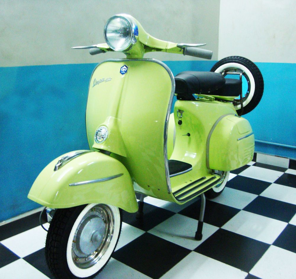 Vespa Scooter 1968 Vintage Free Shipping California Restoration