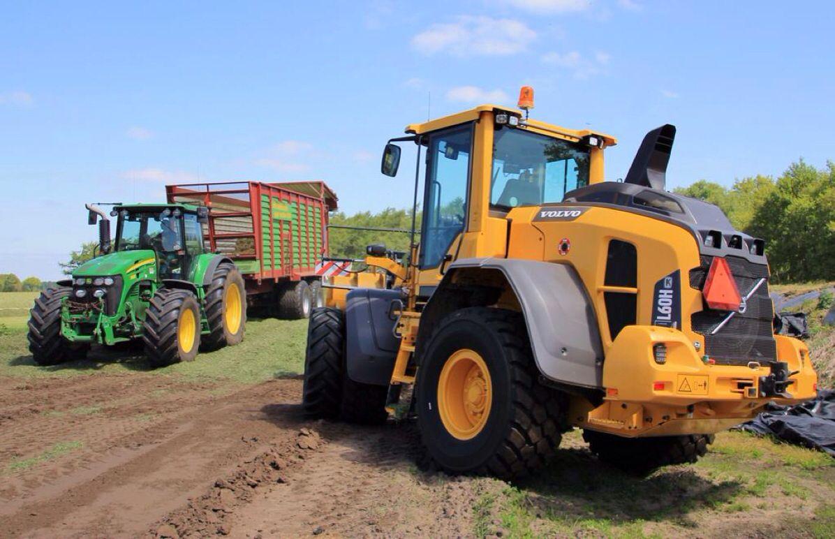 Jd Volvo L60h Silage Tractors Farm Machinery Farm Tractor