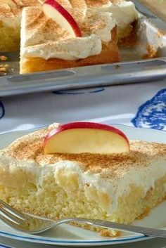 Fluffy apple pie with sour cream topping
