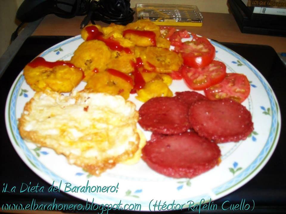 Tostones De Platanos Verdes Con Ketchup Salami Huevos Y Ensalada