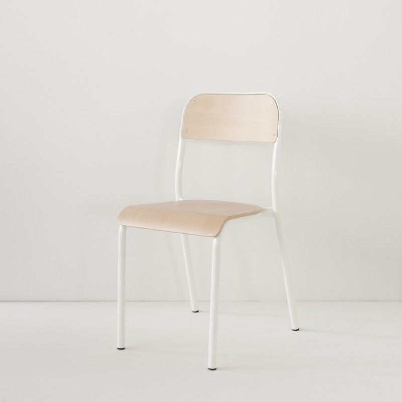 Chaise d\'école blanche | Lofts and Room