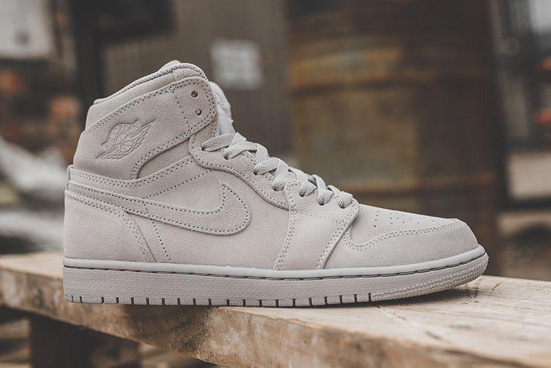 7bbffd79466 Nike Air Jordan 1 Retro High