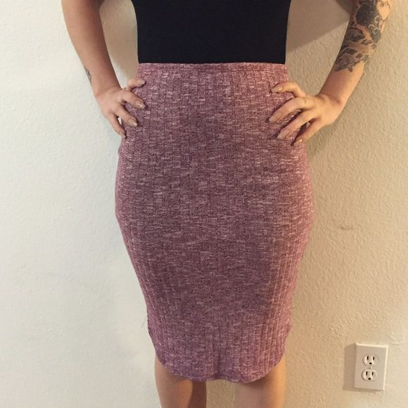 LA HEARTS pinned maroon fitted skirt LA hearts mid length skirt, tight fitted to body shape, inner lining, comfy! LA Hearts Skirts Pencil