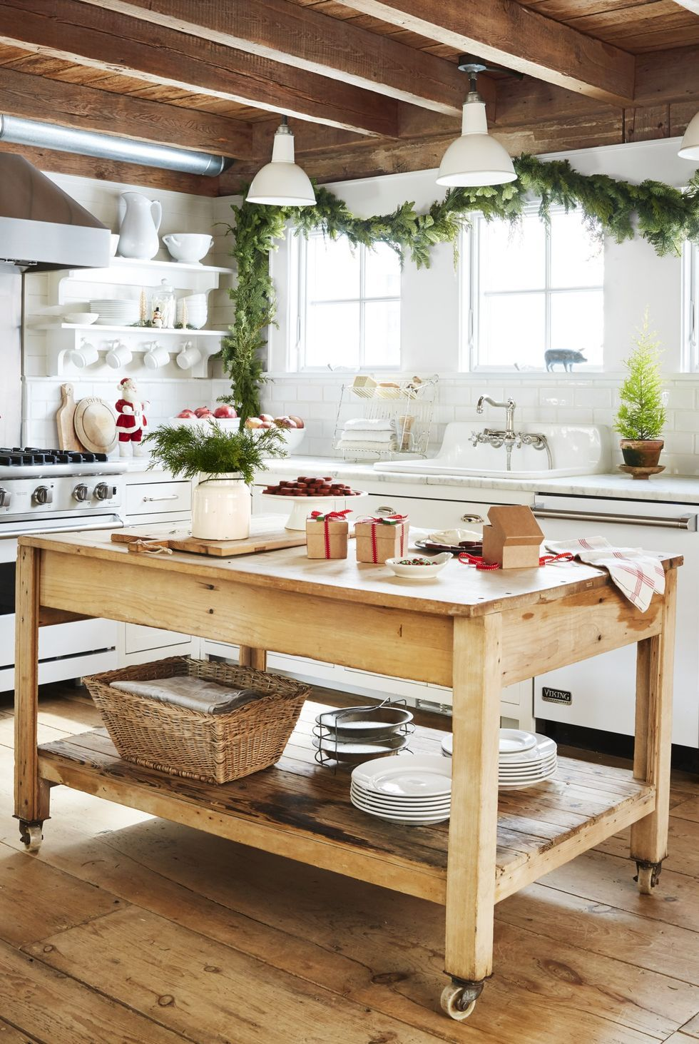 Charming Kitchen Island Ideas That Are Both Stylish and ...