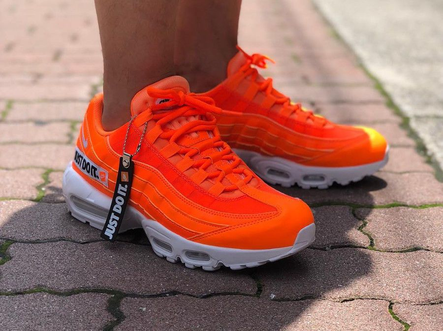 best service e4ca2 ad79f Nike Air Max 95 SE    Just Do It  Total Orange   Mens Trainers  AV6246-800    Nike  Lifestyle