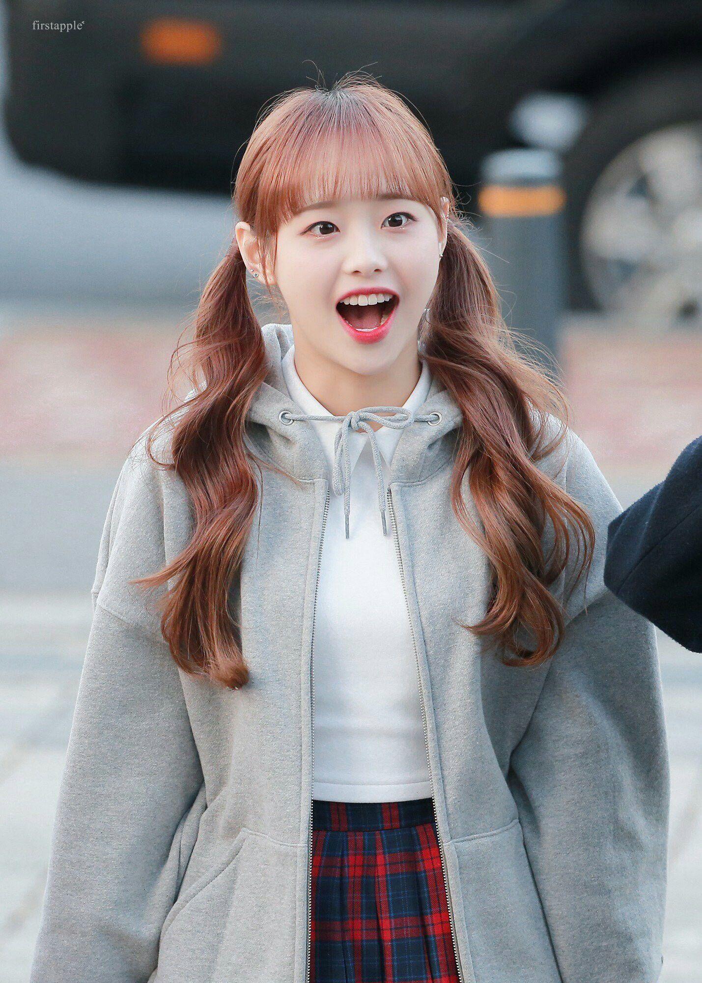 Chuu Loona Kpop Chuu Loona Kpop Girls Kpop Girl Groups