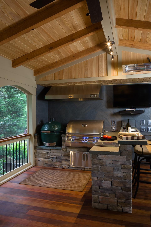 Kochen und Grillen im Freien Outdoor Küche gestalten Holz ...