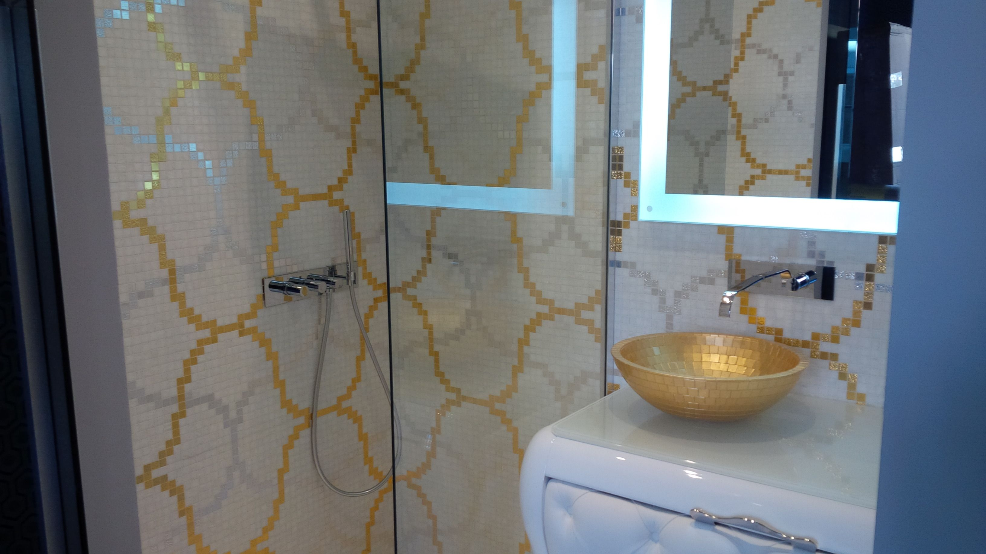 mosaïque bisazza, réalisation il bagno à lyon | salle de bain