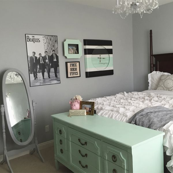 Metal Clock Makeover Two Mini Tutorials Mint Green Bedroom Mint Bedroom Decor Mint Bedroom
