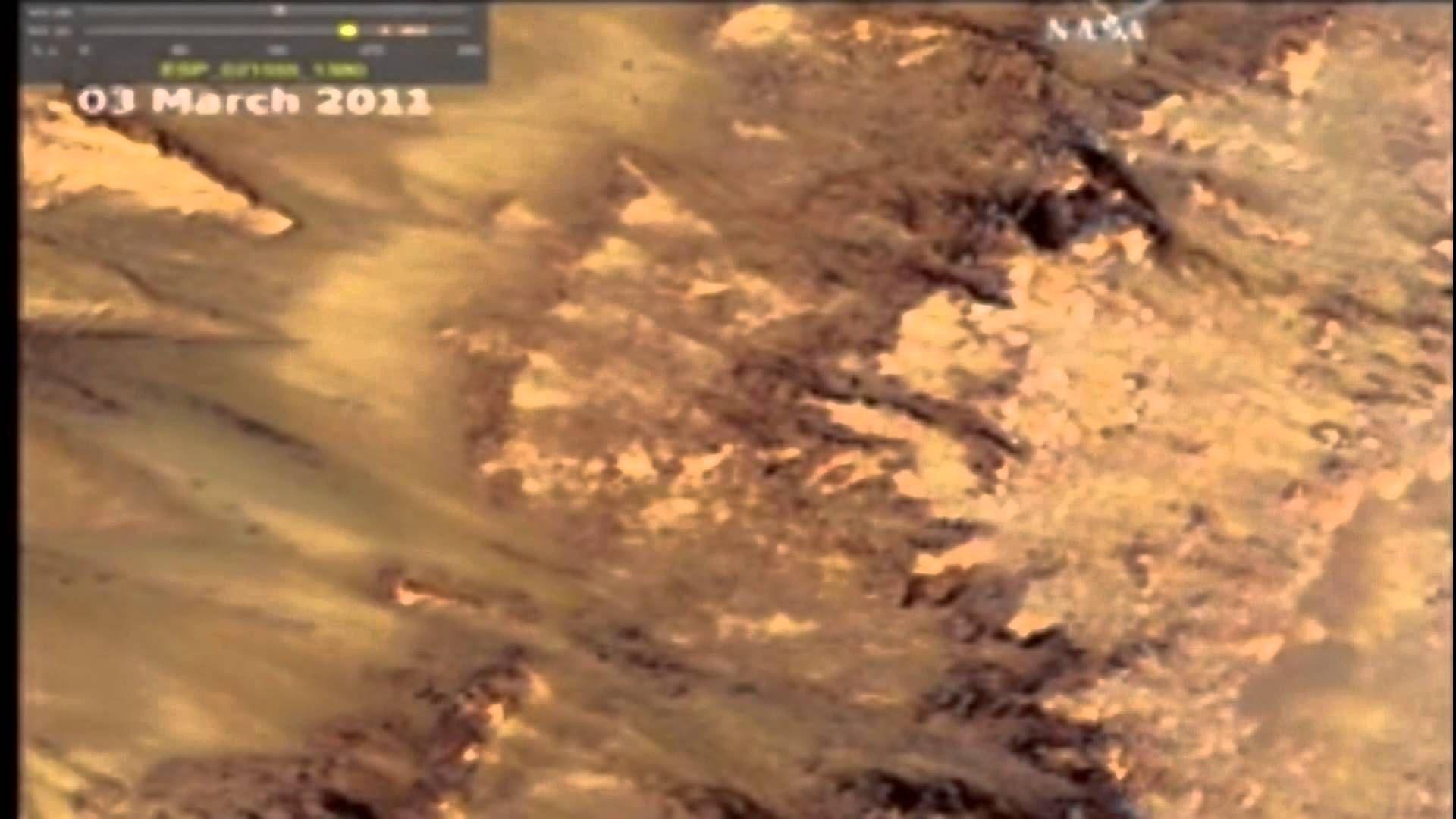 Flowing Water Liquid  On Mars