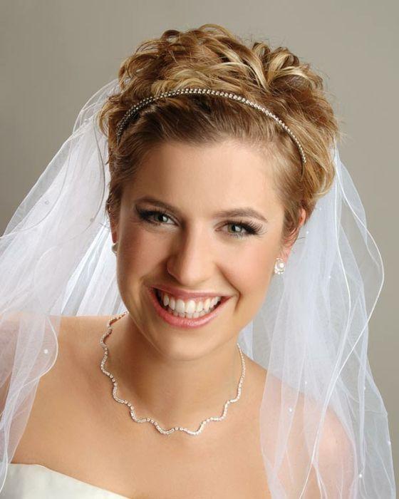 Braut haarschmuck mit schleier  Brautfrisuren für kurze Haare - Haarschnitt Ideen und Accessoires ...