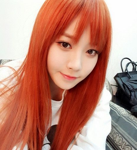 Girl S Day S Yura Updates Her Instagram With A Photo Of Her Orange Hair Girl S Day Yura Girl Day Kpop Hair