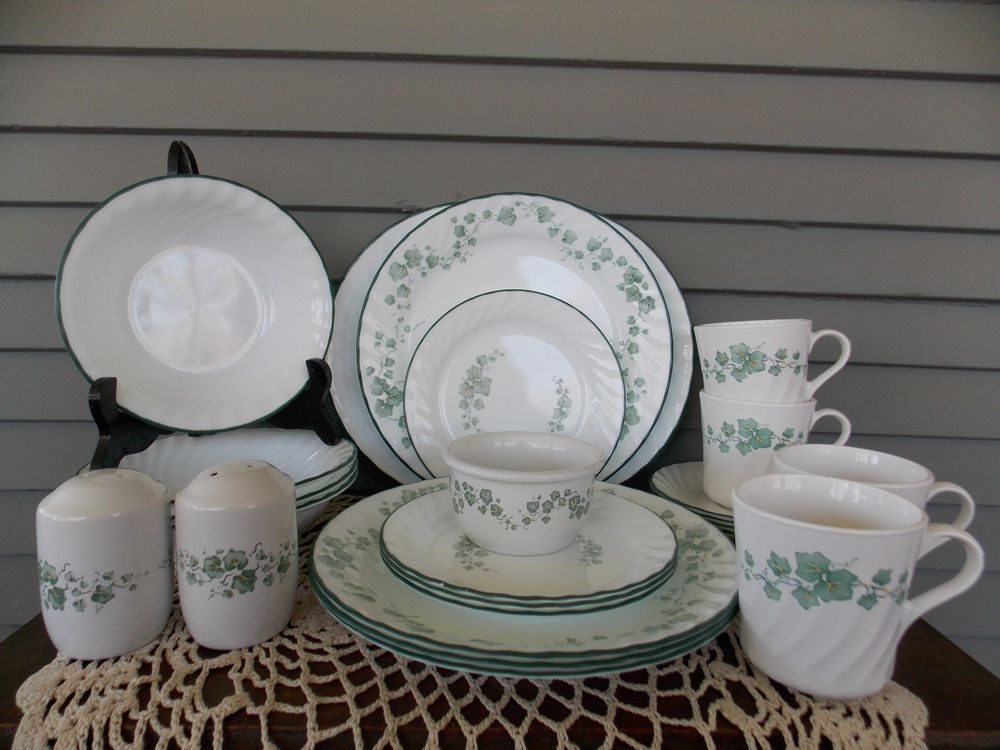 24 Piece Vintage Corelle Callaway Ivy Dinnerware Set Service For