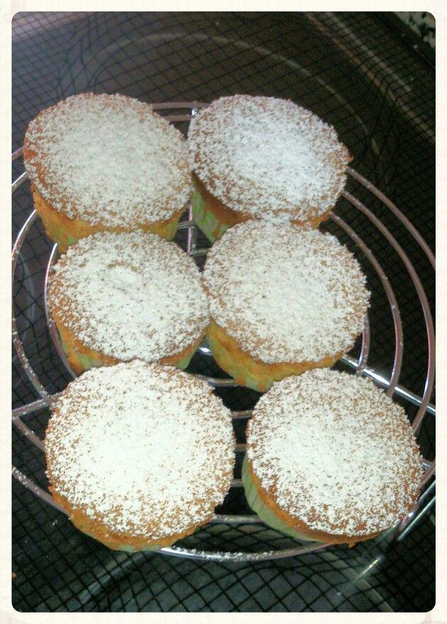 Muffins de limón rellenas de chocolate negro