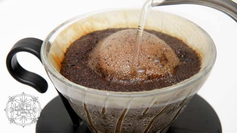 Kopi Tubruk The Indonesian Way To Drink Coffee Kopi Resep Kopi Minuman