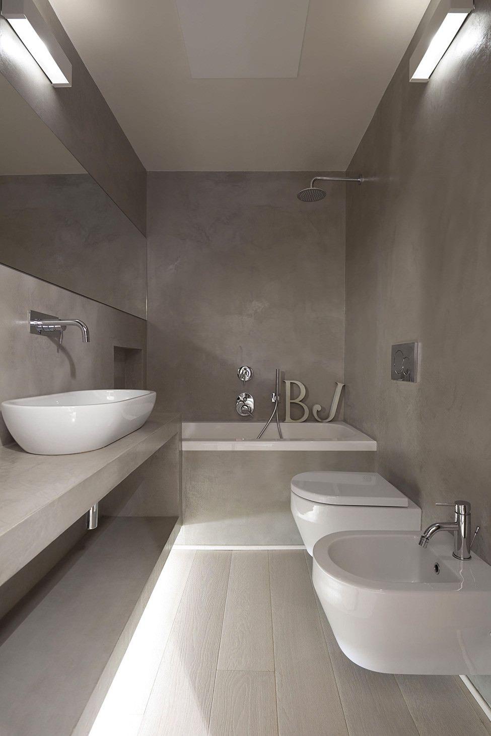 Per fare le scelte migliori ecco, per te: 50 Idee Moderne Per Ristrutturare Un Bagno Stretto E Lungo Bathroom Design Trends Architecture Bathroom Concrete Bathroom