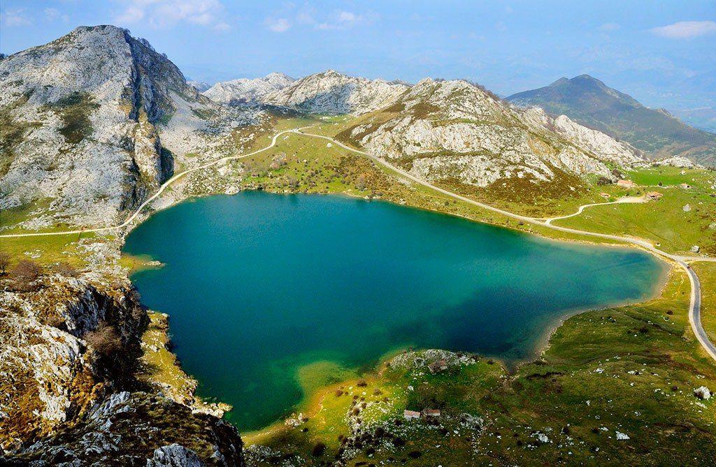 Pin De Antonio Fernandez En Asturias España Lagos De Covadonga Asturias España Picos De Europa