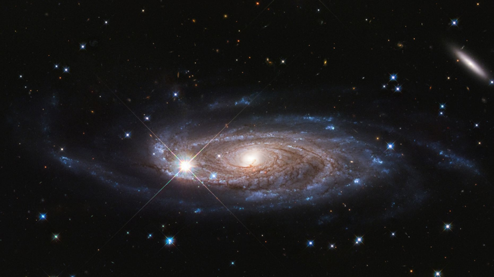 Nasa Finds Godzilla Galaxy 2 5 Times Wider Than Milky Way In Deep Space Hubble Space Telescope Spiral Galaxy Milky Way