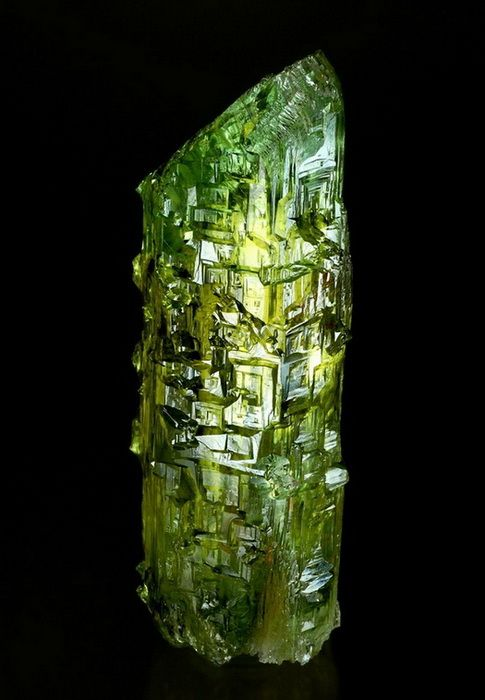 Fantastic Heliodore crystal etched formation!