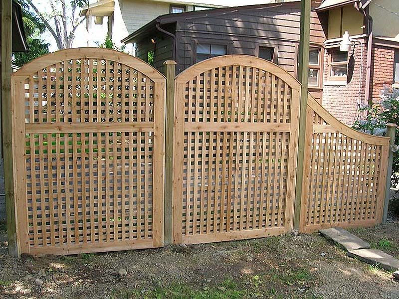 Inexpensive lattice privacy fence ideas http for Lattice screen fence