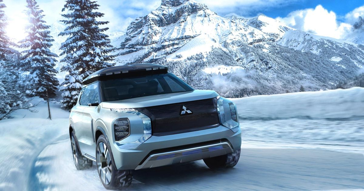 The Mitsubishi Engelberg Tourer Has The Best Roof Box We Ve Ever Seen This Hybrid Suv Concept From Mitsubishi Mitsubishi Outlander Mitsubishi Tokyo Motor Show