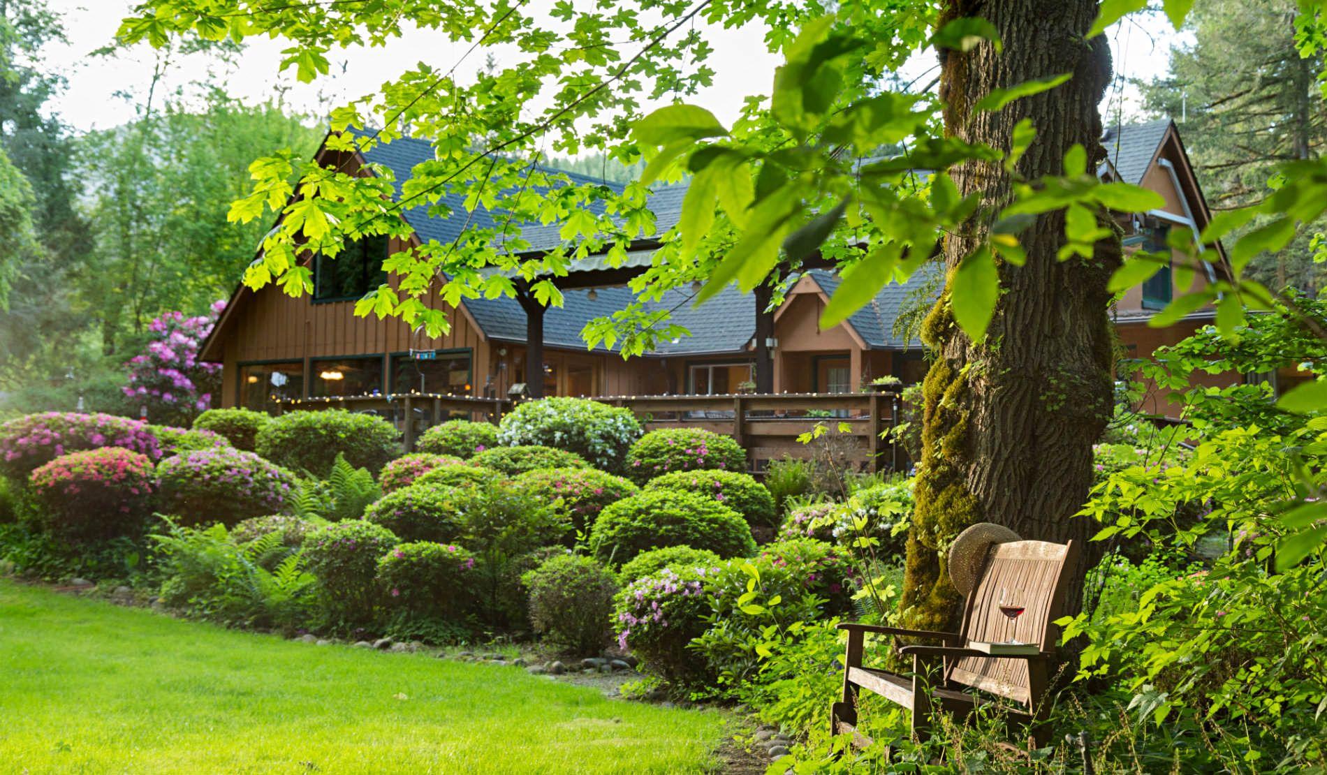 Eagle Creek Lodge On The Mckenzie Eagle Rock Oregon Travel Outdoor Lover