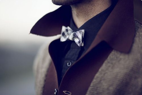 Gingham skinny bow tie, black shirt with grey and maroon