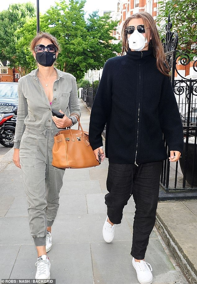Elizabeth Hurley And Son Damian Walk Together In London Daily Mail Online In 2020 Elizabeth Hurley Hurley Fashion