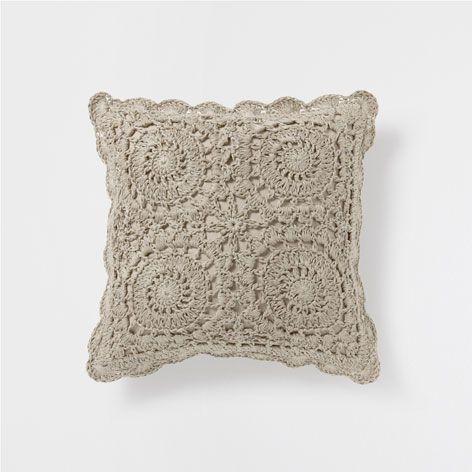 Crochet Linen Cushion Decorative Pillows Decor And Pillows Zara Home United States Zara Home Virkade Kuddar Virkning